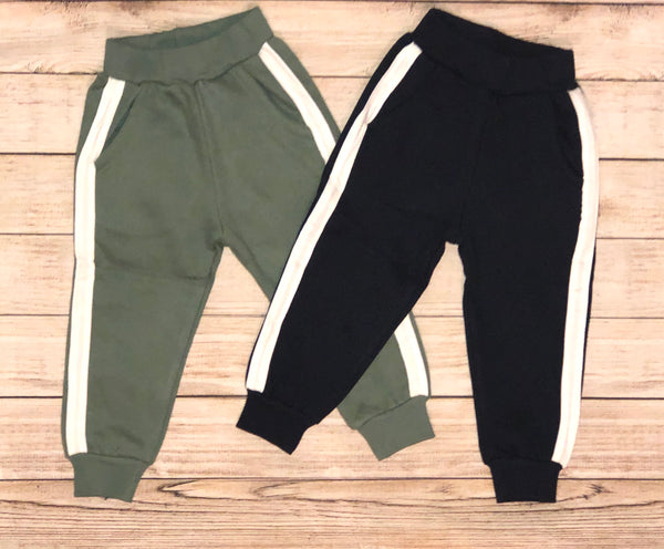 Nothing basic about these joggers. Choose Navy Blue or Green for a great everyday look. Your toddler can pair these with a tshirt or sweatshirt for a full casual outfit. Boys love joggers!