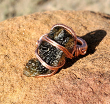 Load image into Gallery viewer, Moldavite Ring