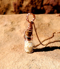 Load image into Gallery viewer, Freshwater Pearl Healing Vial