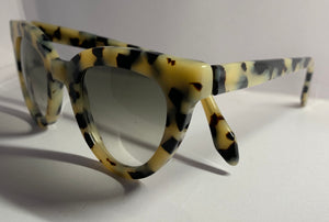Lamù Sunglasses - Cat Pen White Tortoise