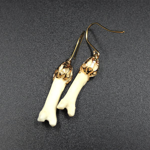 Earrings | Coyote Phalanges | Gold | Medium