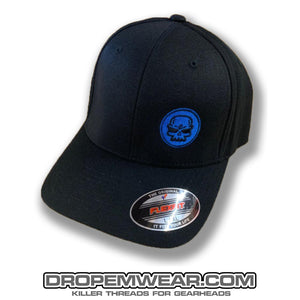 BLACK CURVED BILL FLEX FIT HAT WITH BLUE SKULL LOGO