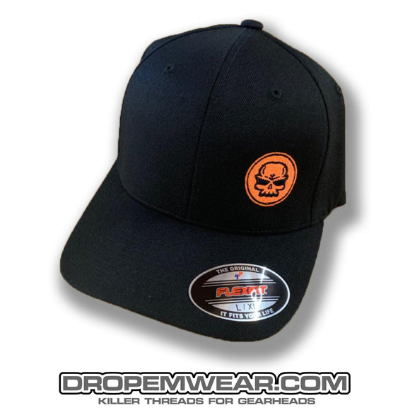 BLACK CURVED BILL FLEX FIT HAT WITH ORANGE SKULL LOGO