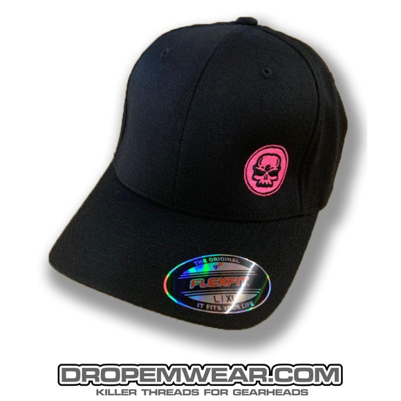 BLACK CURVED BILL FLEX FIT HAT WITH PINK SKULL LOGO