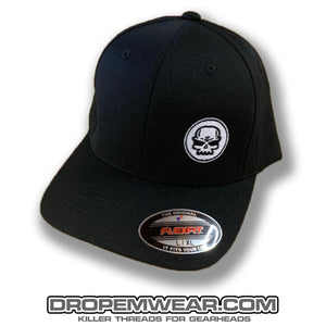 BLACK CURVED BILL FLEX FIT HAT WITH WHITE SKULL LOGO