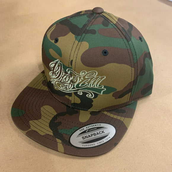 CAMO FLAT BILL SNAP BACK WITH ARMY GREEN TATTOO SCRIPT LOGO