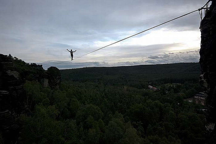 Sending the Master of the Universe Highline in Ostrov