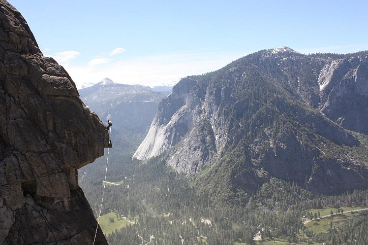 Rigging the Yosemite Falls Highline