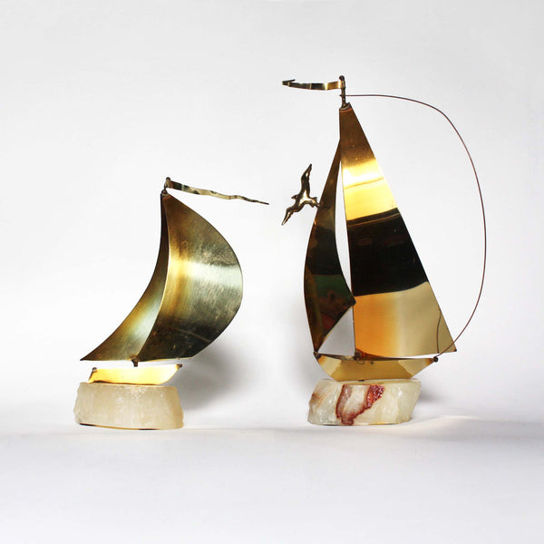Set of 2 brass and onyx Sailboat sculptures by De Mott, 1970s modernist decor