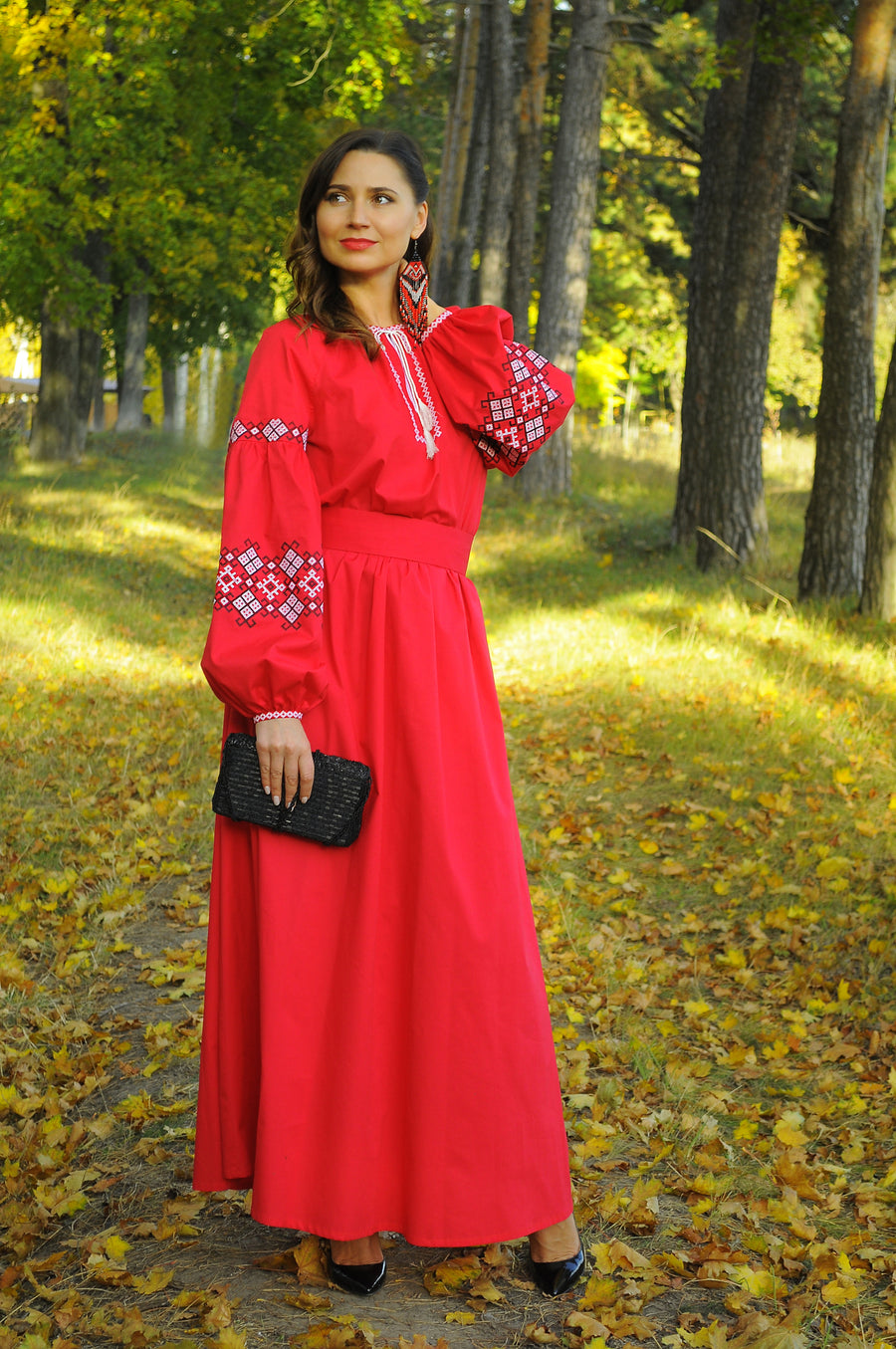 Luxury red evening dress with embroidery