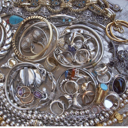 How to Keep Your Silver Jewelry Looking Shiny