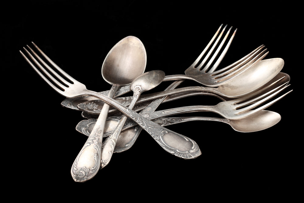 HOW TO SAFELY STORE YOUR ANTIQUE SILVERWARE