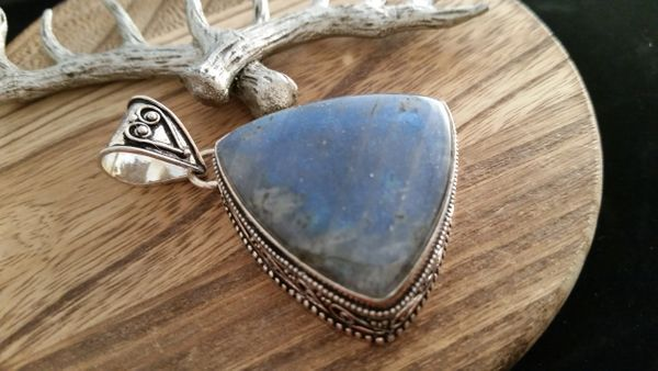 Old World Large .925 Sterling Silver Natural Flash Labradorite Gemstone Pendant