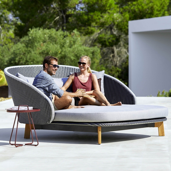 Peacock | Daybed with teak table