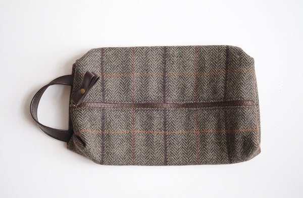 Tweed Wash Bag Brown
