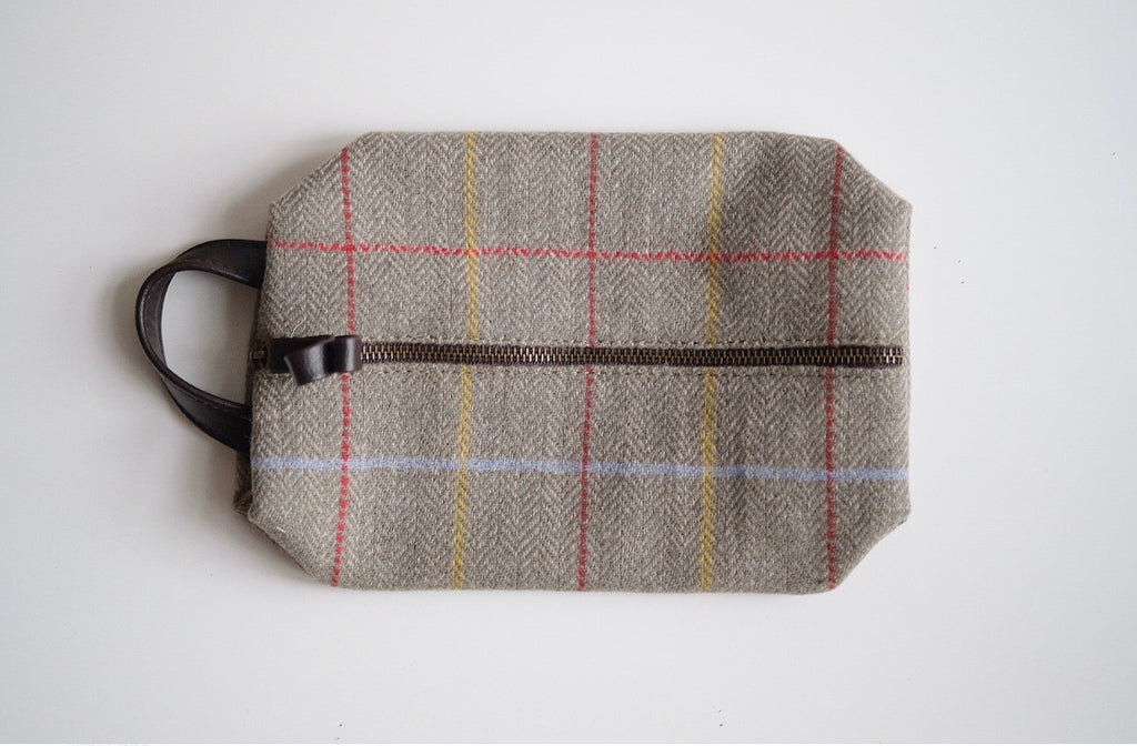 Tweed Wash Bag Sage
