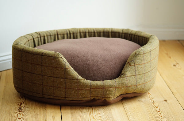 Oval Dog Bed Tweed