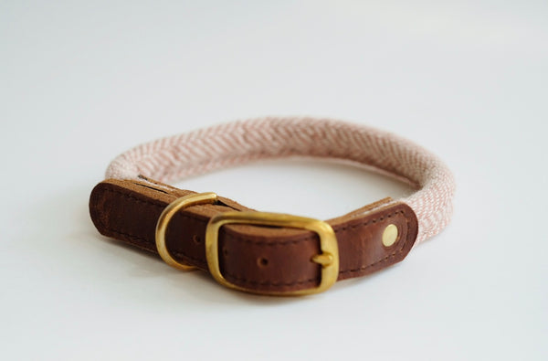 Rolled Tweed Dog Collar Rose