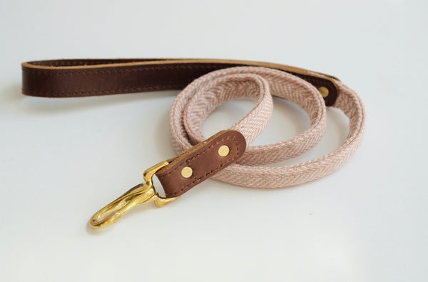 Rolled Tweed Dog Leash Rose