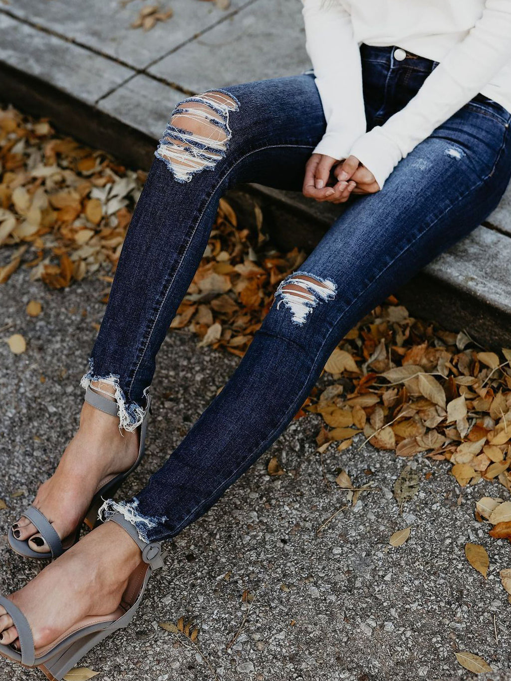Rivet Hole Ripped Decoration Jeans Pants