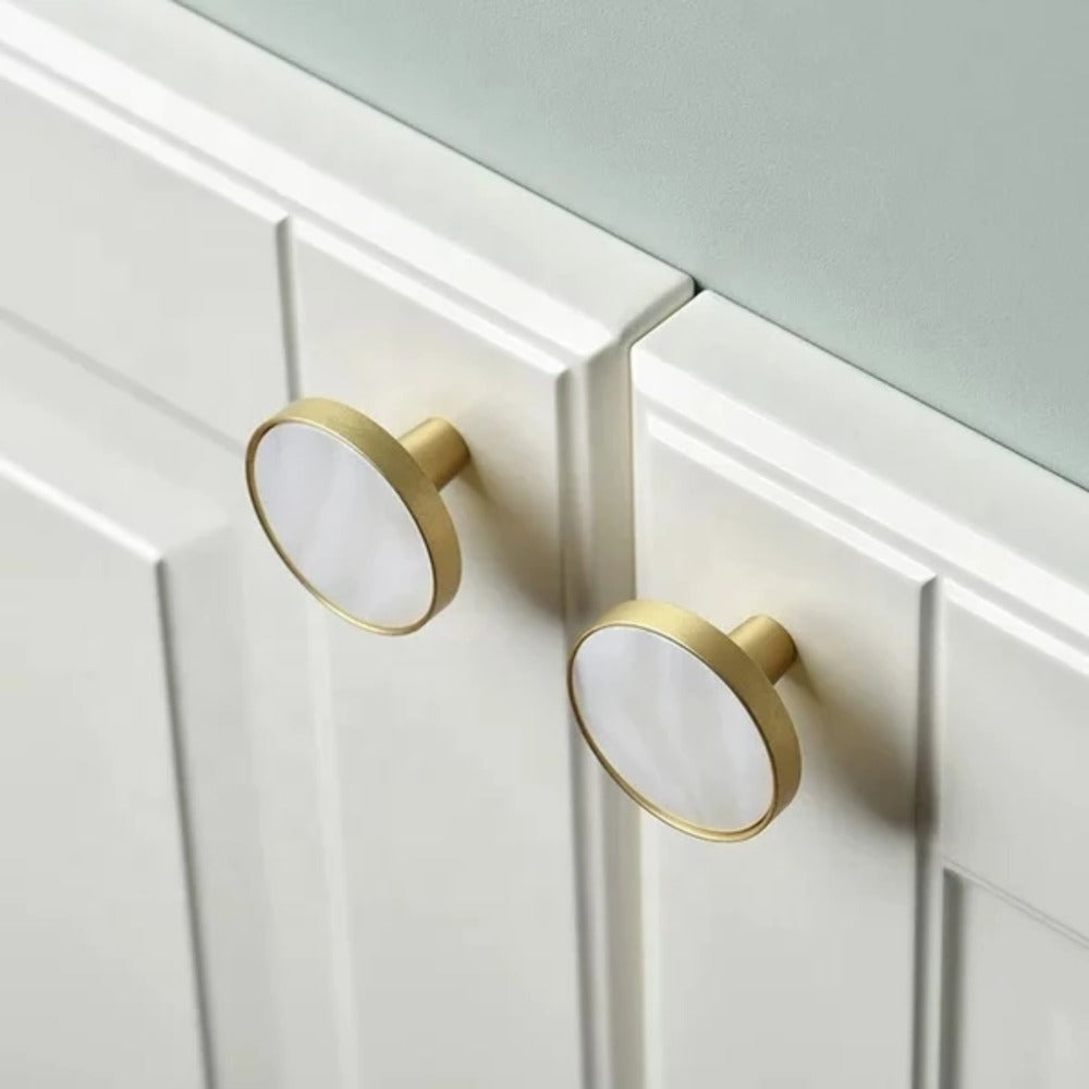 Round Shell and Brass Drawer Knob - Alaynashome