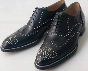 Men's Leather Shoes With Rivet Pattern
