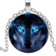 Load image into Gallery viewer, Night Wolf Necklace