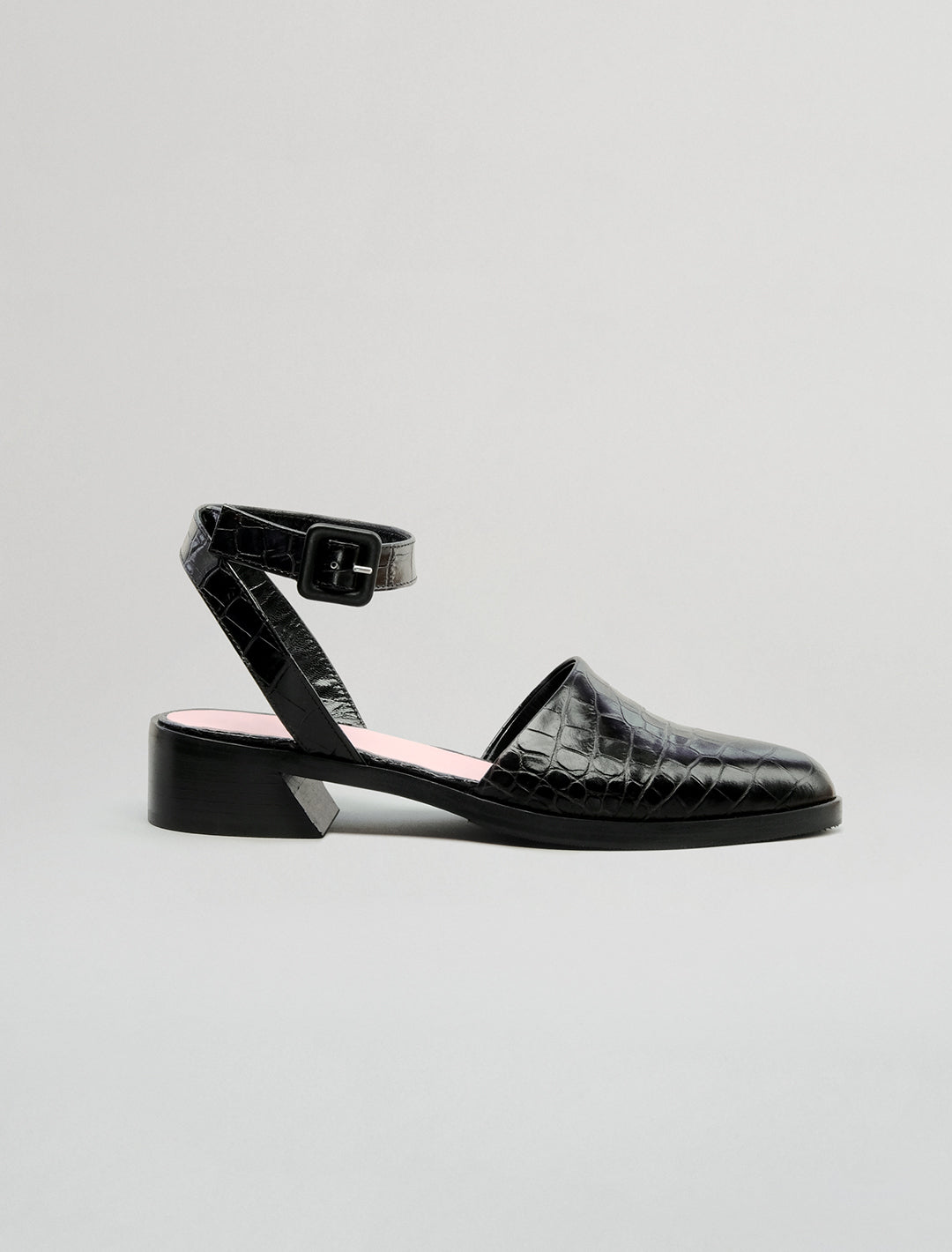 THE POINT FLAT | BLACK