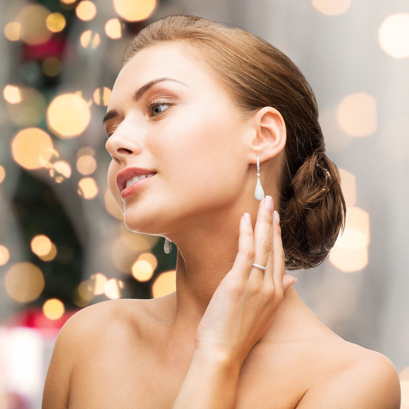 Buying Diamond Jewelry for the Holiday Season