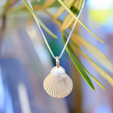 SHELL NECKLACE IN STERLING SILVER