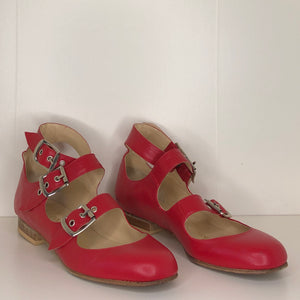 Vivienne Westwood Gold Label Roman 3-Strap Flat Sandal Shoes in Red Leather