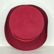 Load image into Gallery viewer, Vivienne Westwood Worlds End John Bull Hat in Red Felt
