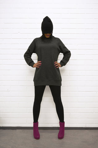 Loosefit sweatshirt for women. Numbered from 1-100