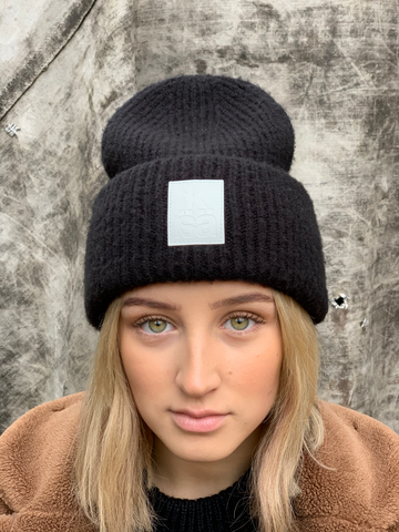 NEW! Double chunky beanie with white badge