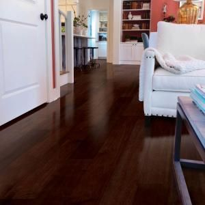 ENGINEERED HARDWOOD VS. LUXURY SPC VINYL: WHICH IS RIGHT FOR YOU?