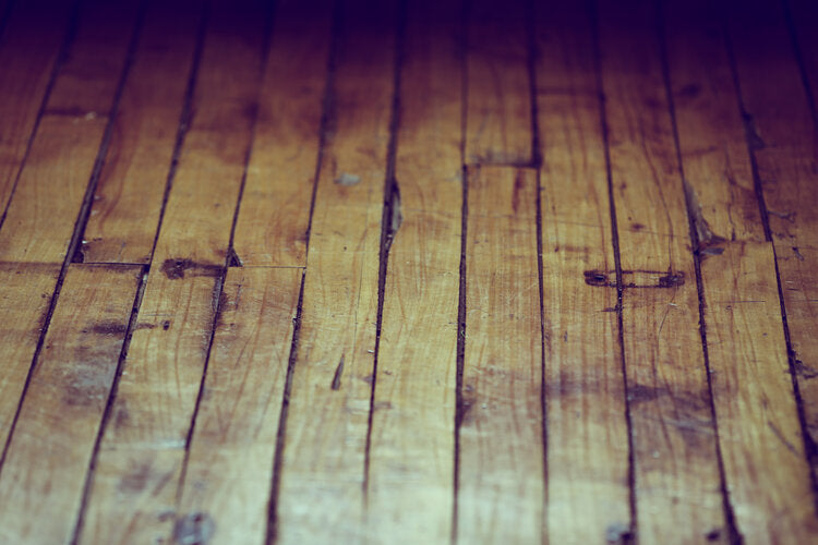 WHEN IS IT TIME TO REFINISH YOUR HARDWOOD FLOORS?