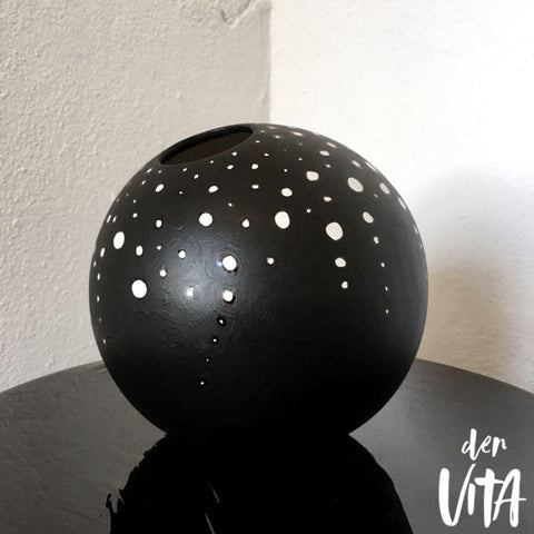 "Den VITA#10. ""Lights / Kusama"""