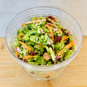 Salade de Brocolis canneberges bacon 500g