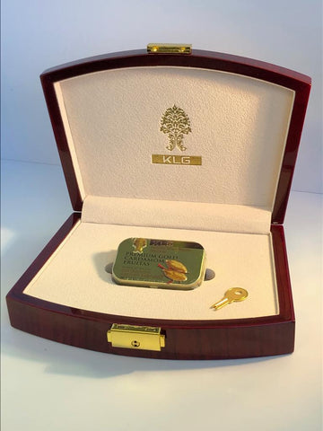 PREMIUM Wooden Box Display with Gold Cardamom Fruitas