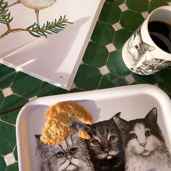 serving tray with cats motif