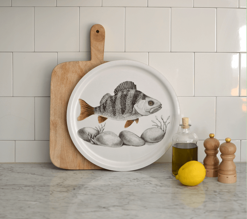 round serving tray fish