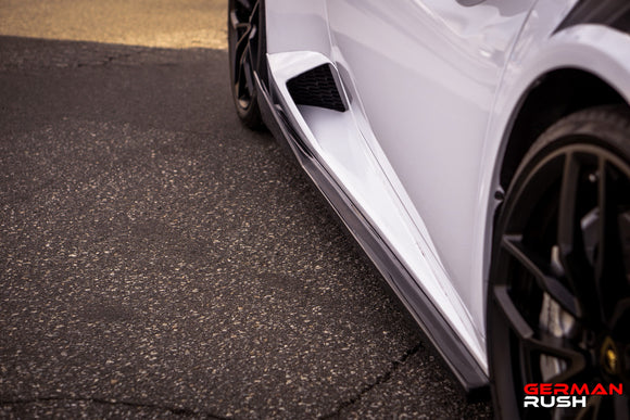Side Skirts for Lamborghini Huracan 14-19 Spyder and Coupe in Carbon Fiber