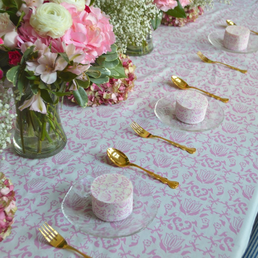 Individual Cakes to Match Tablecloth