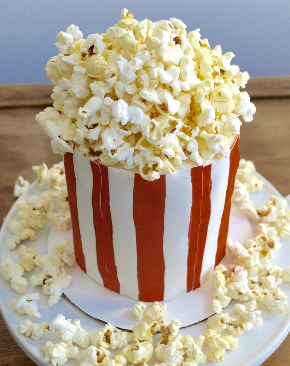 Popcorn cake for your Oscar Party or movie night