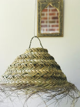Load image into Gallery viewer, Lampshade Woven Raffia