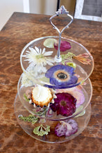 Load image into Gallery viewer, Dried Flower Cake Stand