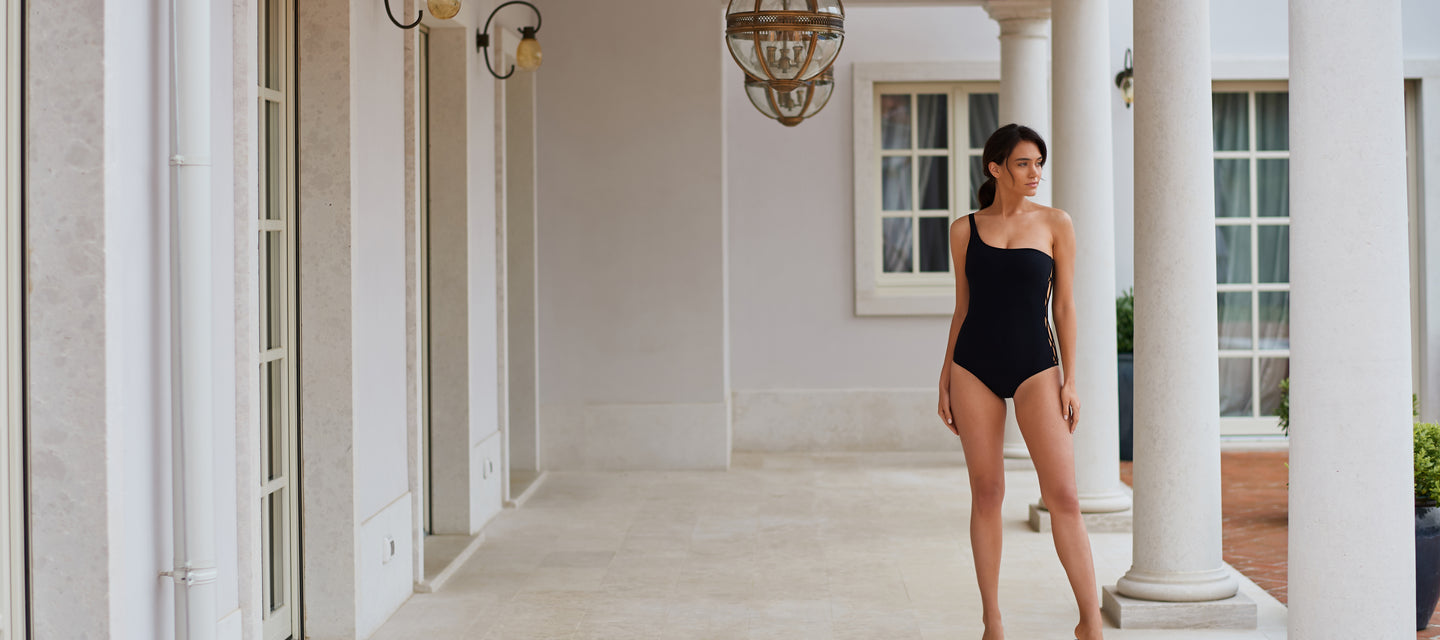 black malliot, one piece swimsuit, bikini, one shoulder,