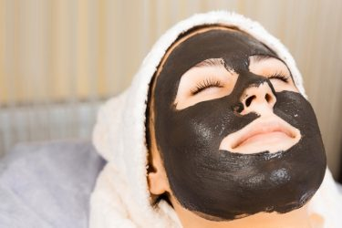 How To Make A Peel-Off Mask With Activated Charcoal