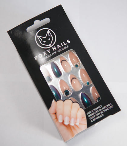 fake nails box front foxy