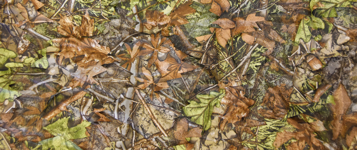 Quick use lightweight camouflage covers for wildlife photography, nature photography and surveillance. Natural colours and patterns are used to blend you into the environment